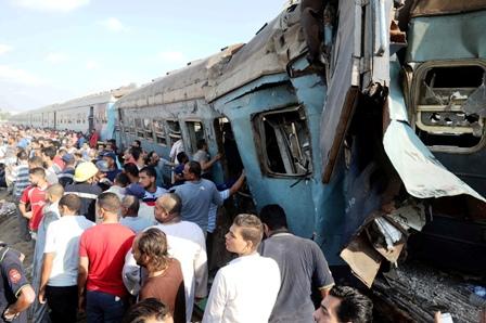 Fatal-colision-de-trenes-en-Egipto