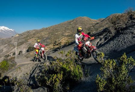 Nosiglia-en-el-Dakar-con-KTM
