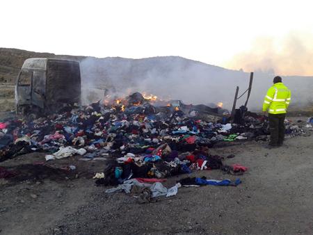 Contrabandistas-queman-un-camion-con-mercaderia
