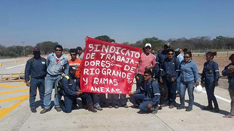 Trabajadores-de-la-empresa-Bonnet-bloquean-ingreso-a-la-planta-Rio-Grande-