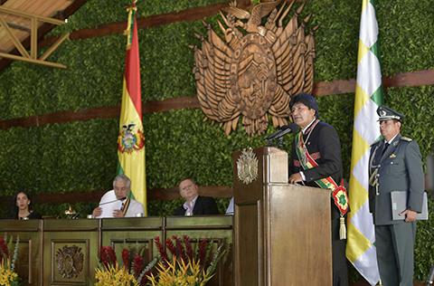 Morales-dice-que-Álvaro-Garcia-Linera-como-vicepresidente-es--insustituible-