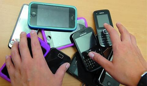 Cinco-policias-fueron-sorprendidos-robando-celulares