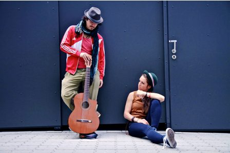 AnnaLu-y-Shavez-llegan-para-cantar--Nina-Camba-
