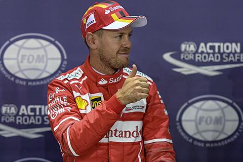 Vettel-logra-la--pole--en-Singapur,-Hamilton-quinto