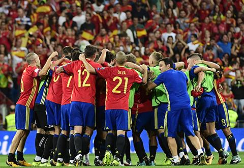 Espana-derrota-a-Italia-(3-0)-y-se-acerca-al-Mundial-de-Rusia-2018-