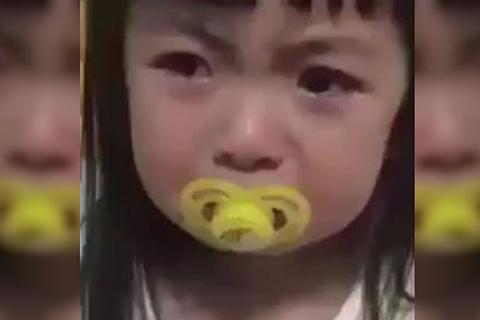 VIDEO:-Una-nina-se-volvio-viral-por-su-falso-e-intenso-llanto-