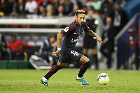 Neymar-lanza-un-penal-y-pone-fin-a-la-polemica-con-Cavani