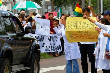 Ola-de-conflictos-recibe-al-Dakar,-sectores-sociales-rechazan-el-nuevo-Codigo-Penal
