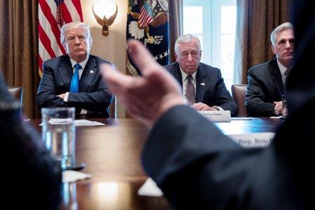 Juez-bloquea-decision-migratoria-de-Trump