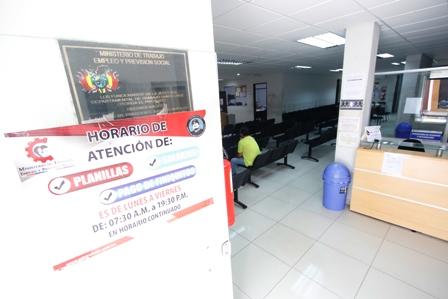 Oficinas p blicas no acataron el paro c vico for Horario oficina paro