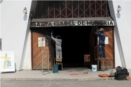 Atentados,-queman-iglesias-en-Chile