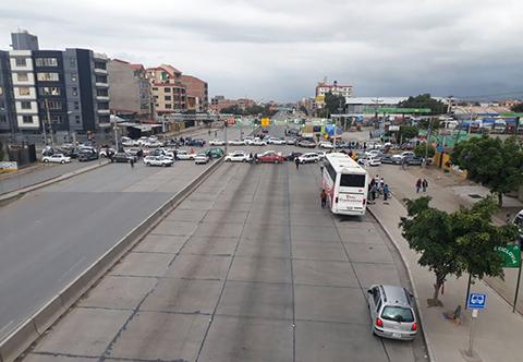 Reportan-contundente-paro-civico-y-bloqueos-en-Cochabamba