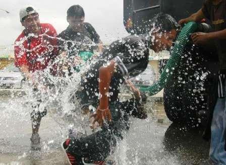 Vetan-el-derroche-de-agua-en-Carnaval