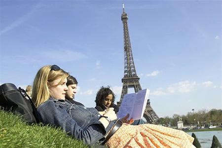Francia-ofrece-a-Bolivia-100-becas-para-maestrias-y-doctorados