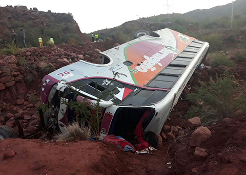 Accidente-de-transito-en-Camargo-deja-dos-muertos-y-15-heridos