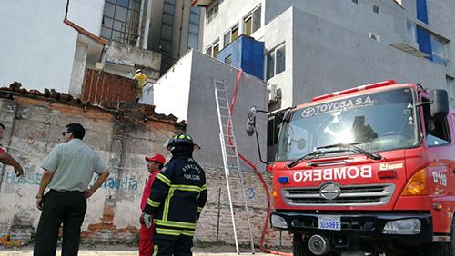 Alerta-de-incendio-en-edificio-Casanova,-asusto-a-sus-ocupantes