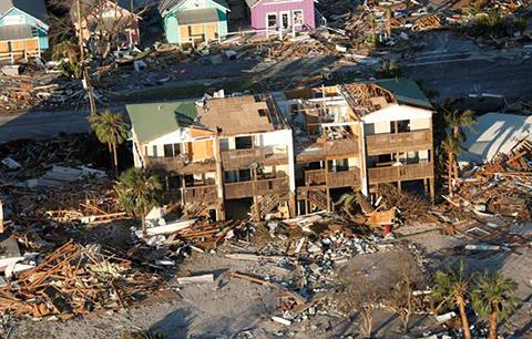 Continua-la-busqueda-de-victimas-en-Florida-tras-el-paso-del-huracan-Michael
