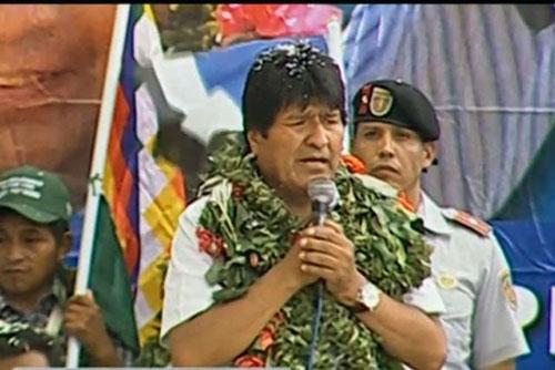 Evo-visita-La-Asunta-y-critica-que-dirigentes-cocaleros-de-Los-Yungas-quieran-modificar-la-Ley-de-la-Coca
