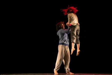 La-danza-contemporanea--sale-a-escena-en-Santa-Cruz