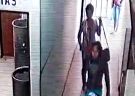 Dos-mujeres-dejaron-a-una-bebe-en-el-basurero