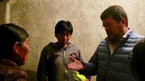 Samuel-visita-a-albanil-que-grito-Bolivia-dijo-No-y-le-ofrece-trabajo-para-que-salga-en-libertad