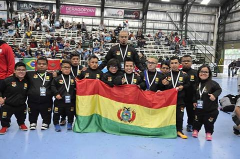 La-seleccion-boliviana-de-futbol-de-Talla-Baja-represento-al-pais-en-la-Copa-America