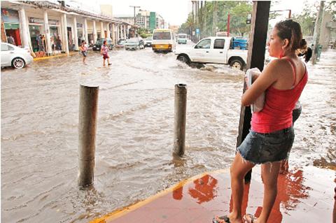 Senamhi-emite-alerta-naranja-por-lluvias-en-siete-departamentos-del-pais