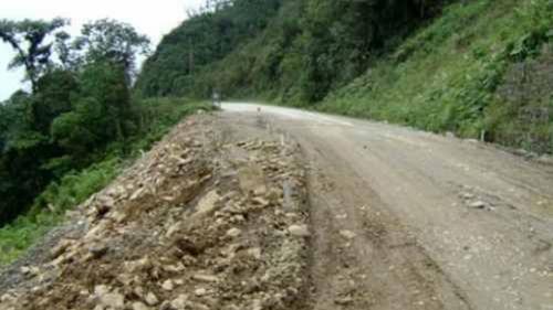 ABC-cierra-un-mes-la-carretera-antigua-Cochabamba---Santa-Cruz-para-rehabilitar-alcantarillas