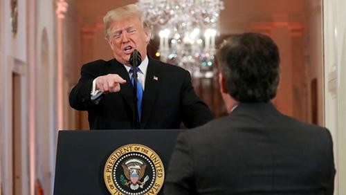 Donald-Trump-discute-con-un-periodista-de-la-CNN-en-la-Casa-Blanca