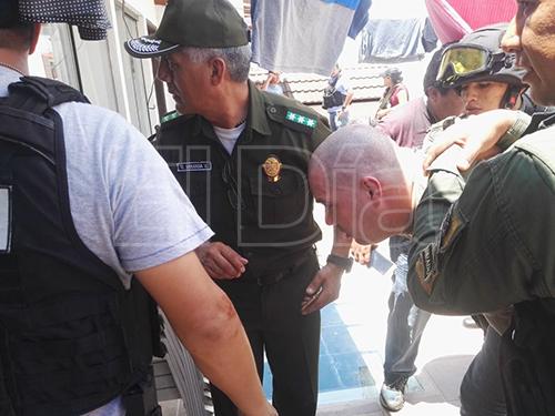 Brasileno-dispara-contra-un-policia-encubierto-durante-un-operativo-sobre-armas-de-contrabando
