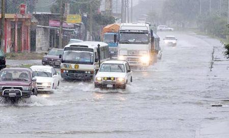Torrencial-lluvia-registrada-en-Santa-Cruz-genera-mas-de-20-emergencias-en-la-capital