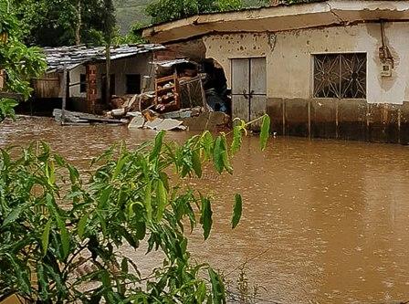 Lluvias-causan-estragos-en-varias-regiones