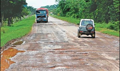 Gobierno-dispone-de-Bs-150-millones-para-reforzar-trabajos-en-carreteras