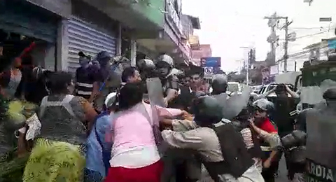 Reportan-enfrentamientos-entre-comerciantes-y-gendarmes-en-La-Ramada
