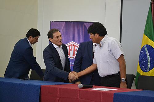 -Shell-Brasil-y-Bolivia-firman-memorandum-de-entendimiento-para-compra-y-venta-de-gas