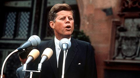 Circula-carta-de-John-F.-Kennedy-cuando-aseguro-a-una-nina-que-Papa-Noel-estaba-a-salvo-de-los-rusos