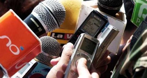 IFEX-ALC-expresa-preocupacion-por-agresiones-y-vigilancia-a-la-prensa-en-Bolivia