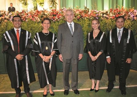 Se-graduan-con-el-sello-de-la-UPSA