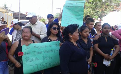 Pobladores-protestan-por-la-muerte-de-una-madre-y-su-bebe-en-Cobija