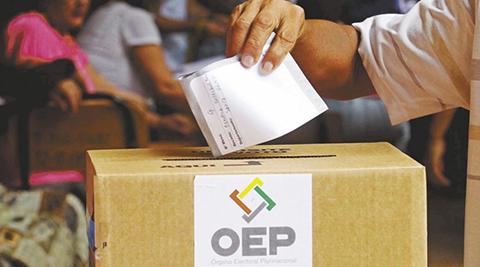 Opositores-analizaran-si-iran-cinco-o-toda-su-militancia-a-votar-en-las-primarias