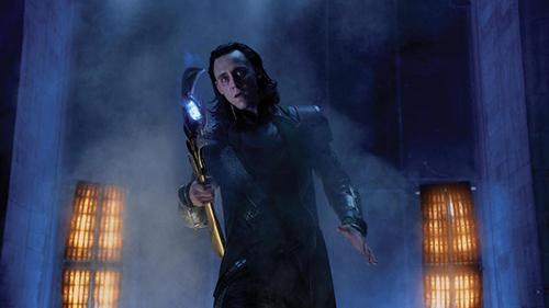 Marvel-hace-oficial-una-extendida-teoria-sobre-Loki:-su-mente-estaba-siendo-controlada-en-Avengers
