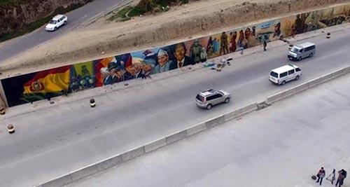 La-autopista-La-Paz-El-Alto-luce-renovada-y-para-su-entrega