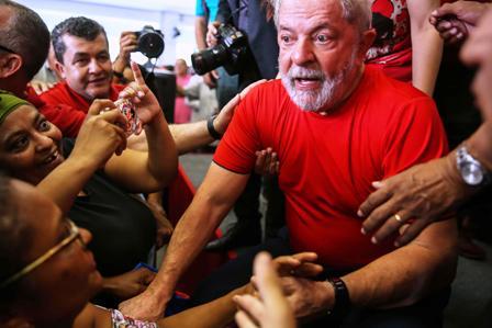 Lula-lidera-en-sondeos-pese-a-condena