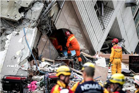 Muertos-por-fuerte-sismo-aumentan-a-catorce