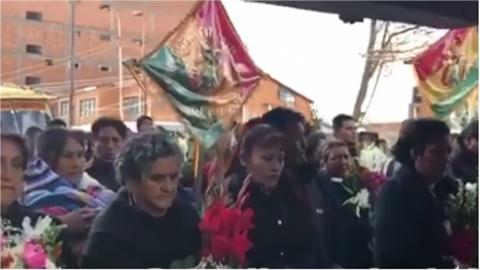 Oruro-da-el-ultimo-adios-a-8-miembros-de-una-familia-muertos-en-explosion