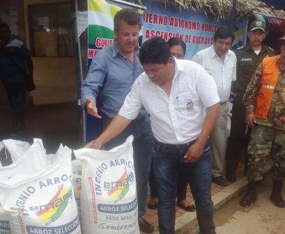 Afectados-por-inundaciones-reciben-ayuda-humanitaria