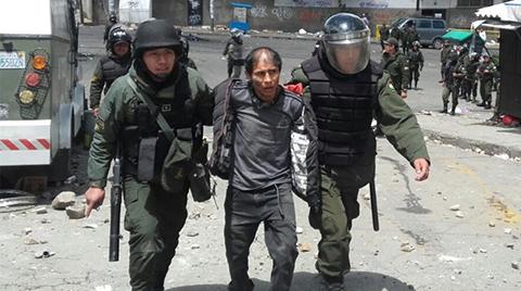 Policia-capturo-a-40-cocaleros-en-el-enfrentamiento-por-sede-de-Adepcoca