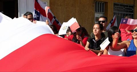 Antofagasta-hace-su-propio--banderazo--en-respuesta-a-declaracion-de-Evo
