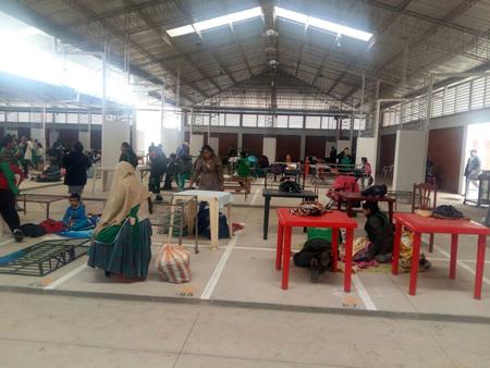 Gremiales-ambulantes-comienzan-el-traslado-del-mercado-Los-Pozos