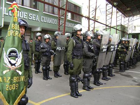 Policia-moviliza-10-mil-efectivos-por-Semana-Santa